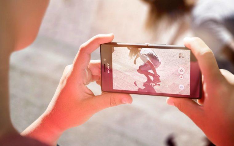 Sony obiecuje naprawić aparat, GPS i inne błędy w Lollipopie na Xperii M2