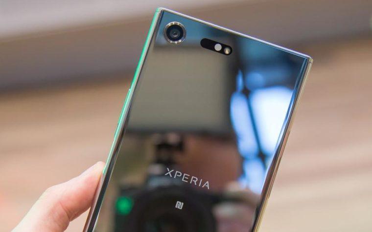 Czy Sony dobrze zrobiło, że wróciło do szklanych telefonów?