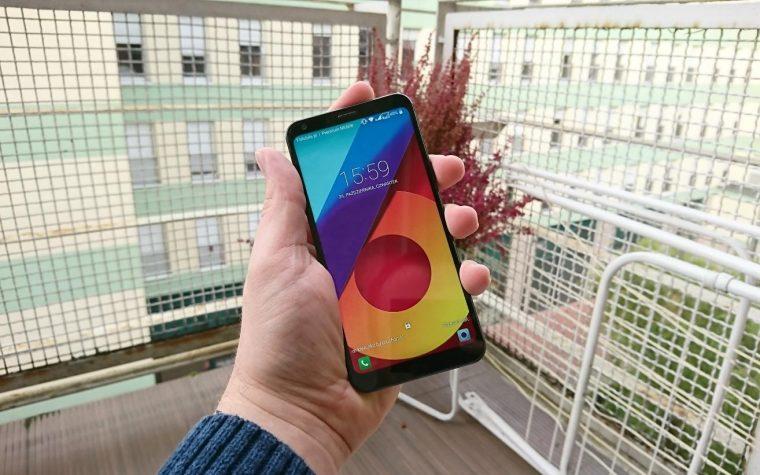 LG Q6 ma świetny ekran… i ten sam problem co każdy smartfon tej firmy [TEST]