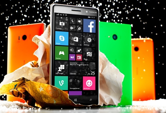 Lumia_Christmas_Shot_feat (1)