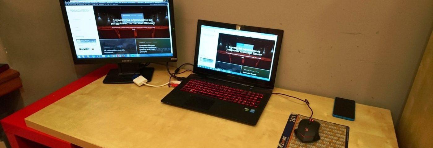 Praca na dwóch monitorach to samo dobro
