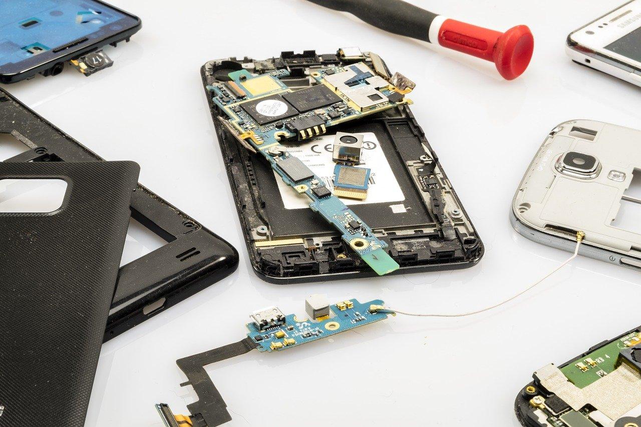 smartfon w naprawie